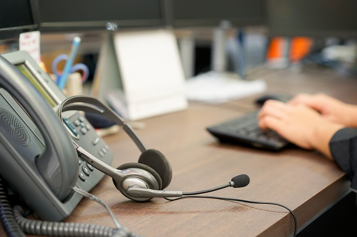 similarities between the call center and phone answering service